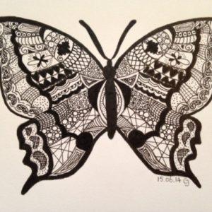 Vlinder ingetekend met Zentangle door Carin